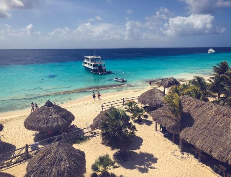 Exploring Klein Curacao and snorkeling with Touracti on Curacao